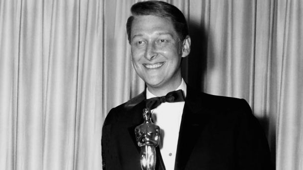 Mike Nichols and his Oscar for Best Direction of The Graduate.